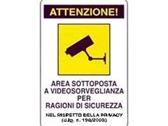 Attenzione area sottoposta a videosorveglianza